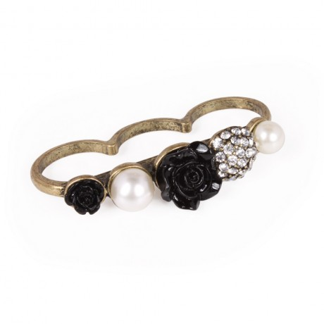 3 finger ring with details